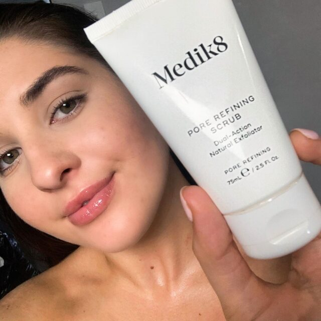 Is your skin ready for unveiling before summer? 🙋‍♀️😍  Medik8's Pore Refining Scrub uses chemical and physical exfoliants to renew/resurface the skin for a picture-perfect complexion.  How? It contains key ingredients:  ✅ Salicylic and mandelic acid which dissolve deep-seated impurities and oil to decongest and tighten pores ✅  Natural jojoba grains gently slough away dead skin cells to help perfect the texture of the complexion  Explore our full range of Medik8 skincare products online.